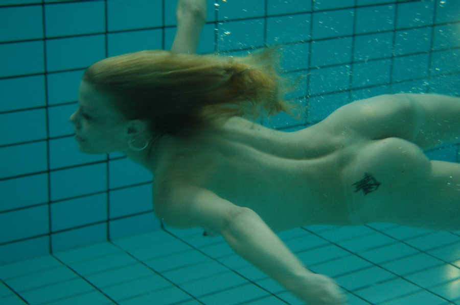 Girls swimming underwater nude